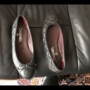 Authentic Chanel quilted flats
